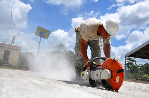 Какво е задължително да знаете, когато ви предстои къртене на бетон?