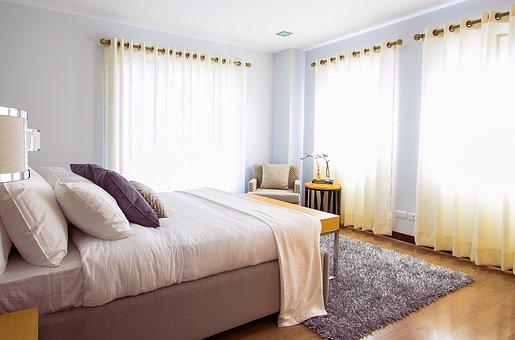 Къде да намерим най-модерните и качествени мебели за спалня и колко трябва да приготвим за тях?